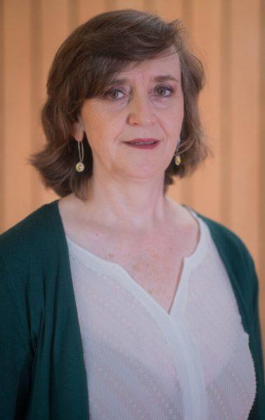 Con mucha tristeza debemos comunicarles el sensible fallecimiento de la docente Sra. Lorena Riedel Stolzenbach, del Instituto de Ingeniería Agraria y Suelo.