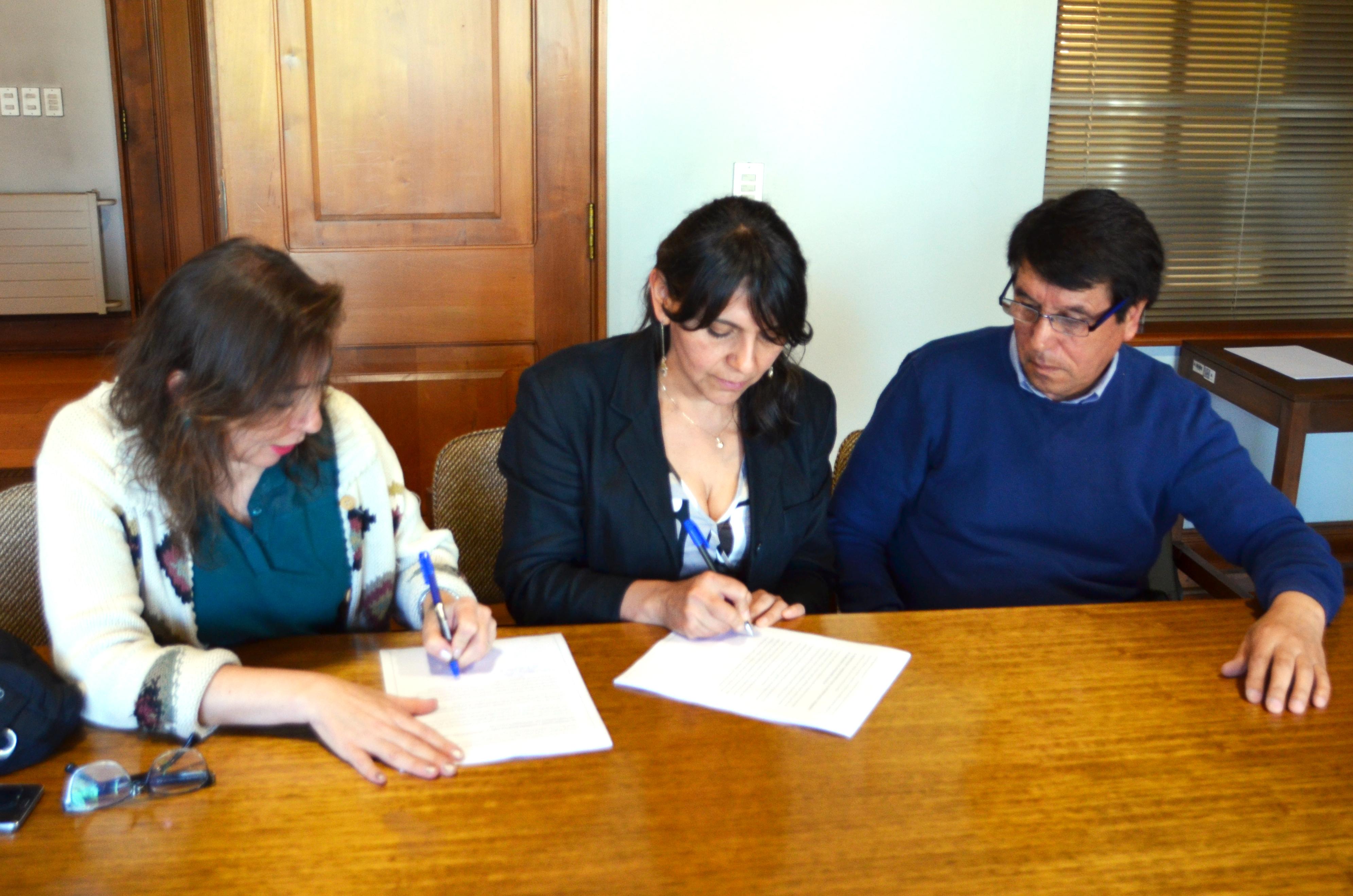 Directiva del SINDOC firmó un nuevo contrato colectivo (+ link para descargar el contrato)